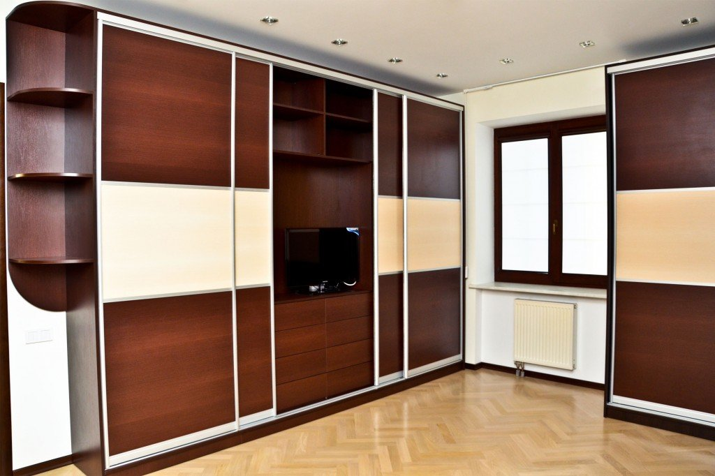 Шкафы купе в современном интерьере, фото шкафов купе в прихо.