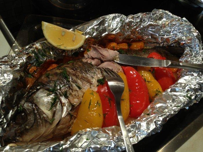 Рецепты приготовления сазана в духовке с фото