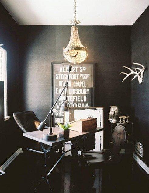 Принцип черного кабинета: интерьер домашнего офиса в черном цвете