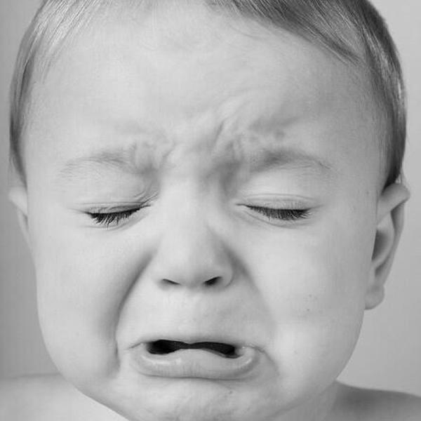 Цветами, картинка прикол ребенок плачет