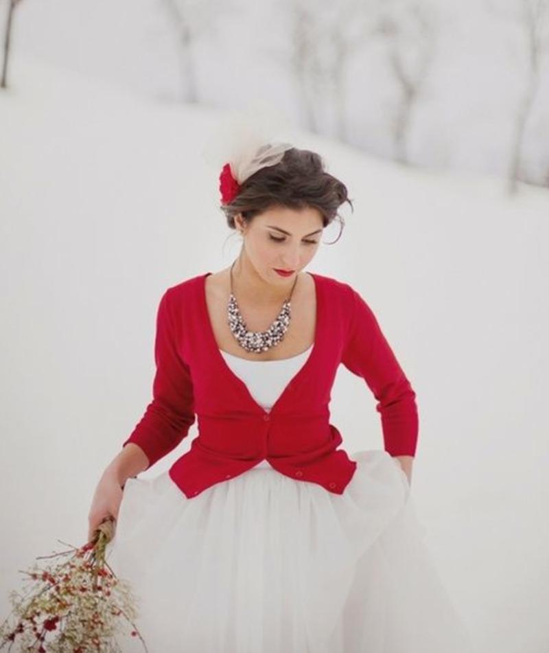 Невеста в красной кофте