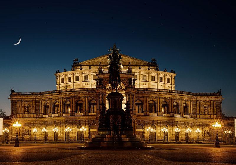 Оперный дом в Дрездене
