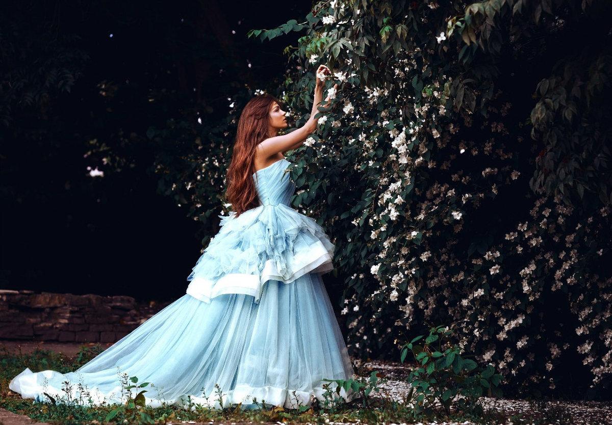 Красивые картинки с девушкой в пышном платье