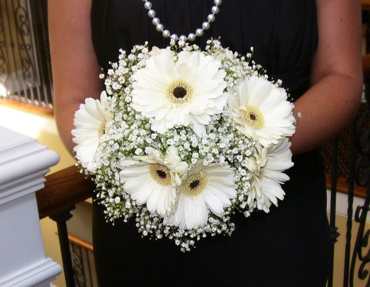 Букет невесты из ромашек, гербер