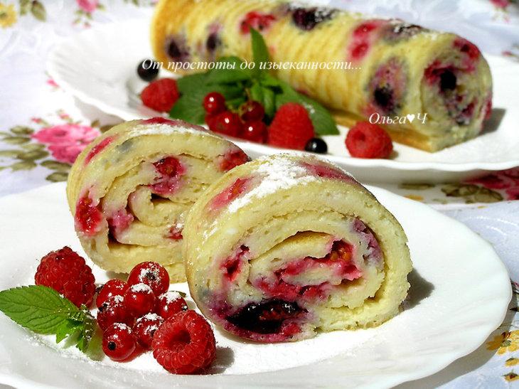 Блинные роллы с ягодами