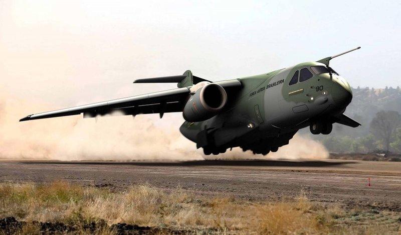 Грузовой Embraer может стать заменой C-130 Hercules — Мотор БИ http://motorbi.ru/?p=3119  Грузовой Embraer может стать заменой C-130 Hercules  Военно-транспортный самолет Lockheed C-130 Hercules наверное является самым старым самолетом своего класса, программа производства имеет возраст куда больший, чем продукция других авиагигантов: Boeing C-17 или Airbus A400M Atlas. Но, несмотря на удачную конструкцию, она устаревает и настает пора его замены.