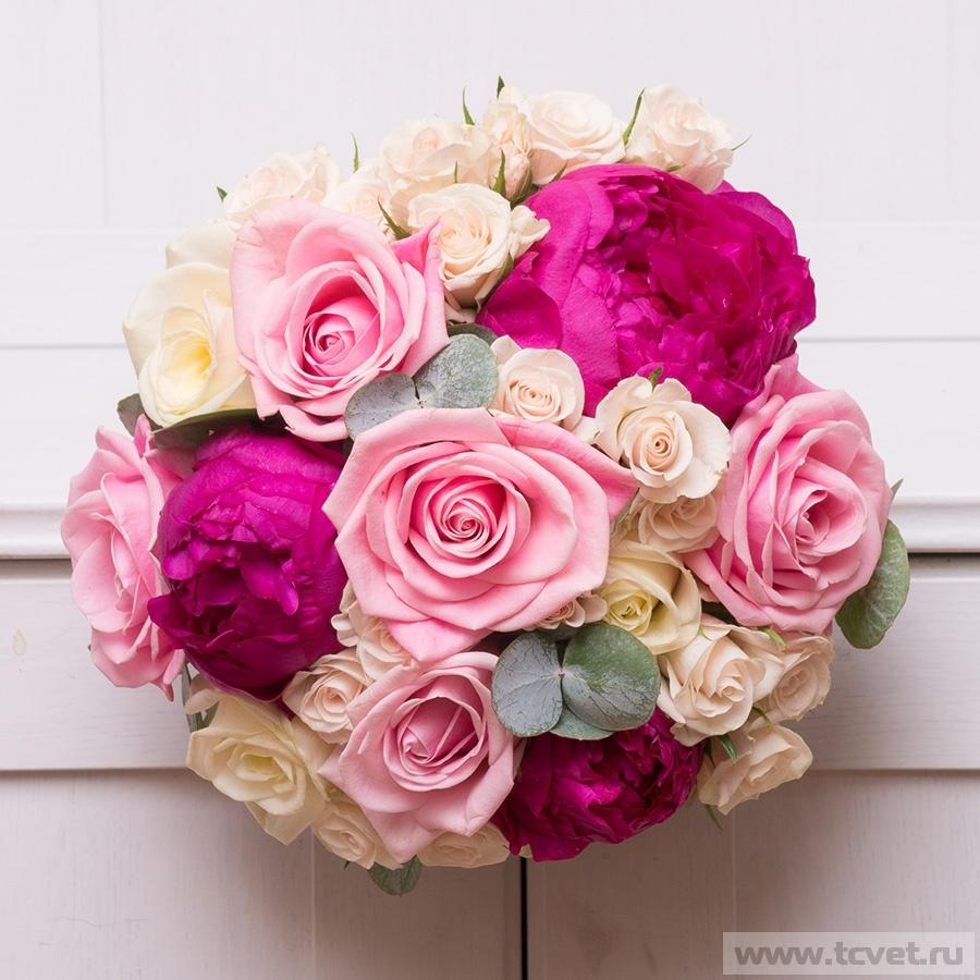 Ирис заказать, букет невесты с малиновыми розами