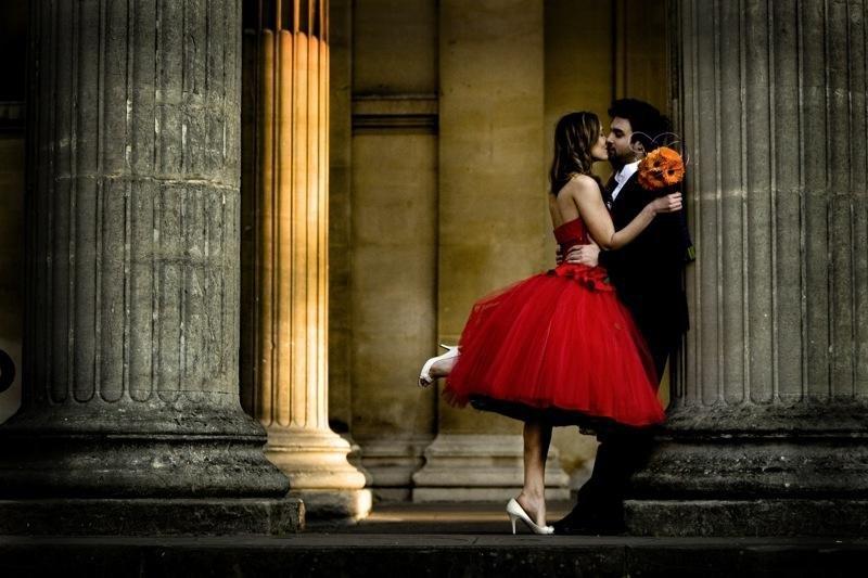 Смелые невесты выбирают красный