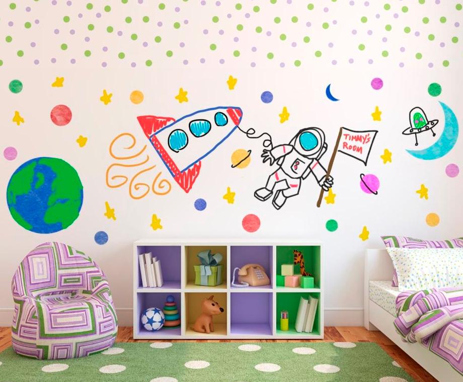 Практичность не в ущерб дизайну: стены в детской комнате.