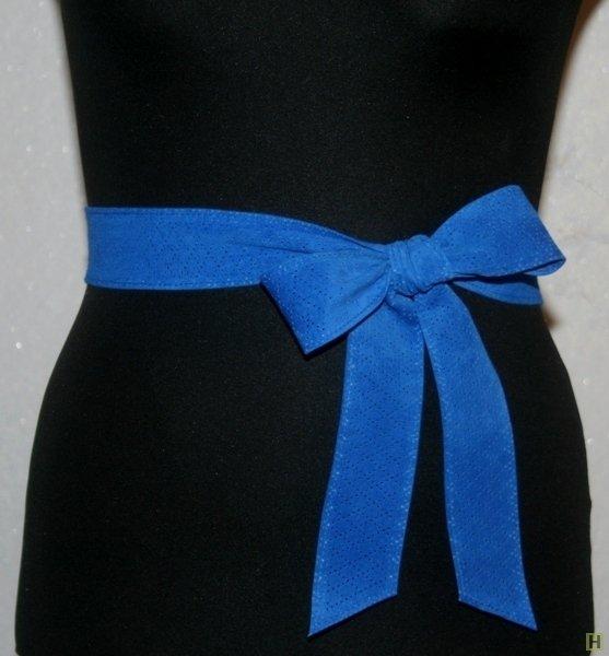 Бант из атласной ленты на платье 65