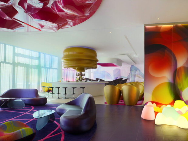 A well known personality in the world of design, recognized for the unique design of Karim Rashid   Please enjoy our selection