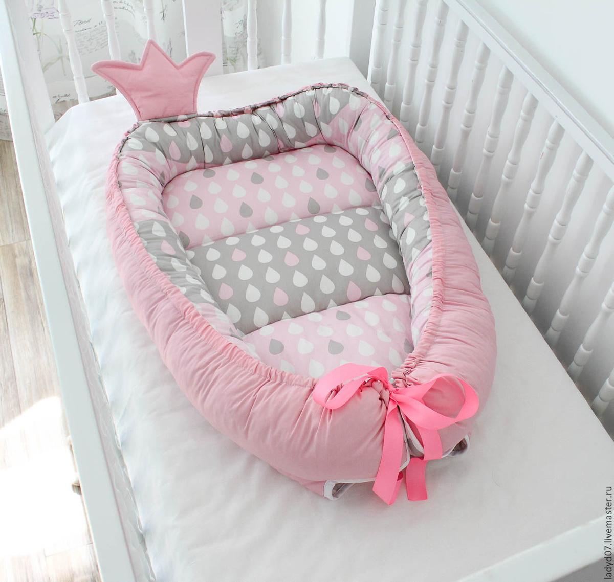 По мере роста ребенка, ленту нужно ослаблять, что позволит увеличить размеры гнезда.