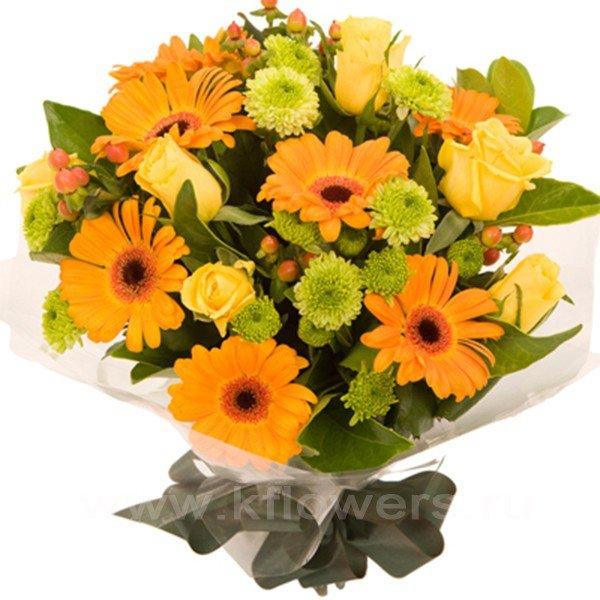 Букет из желтых хризантем с герберами