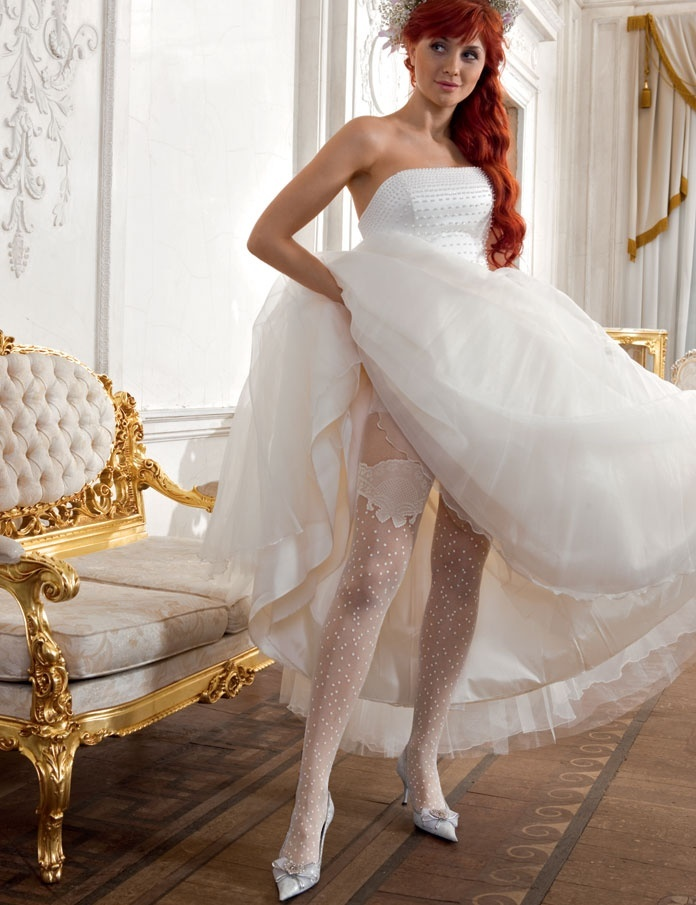 Колготках фото в невесты