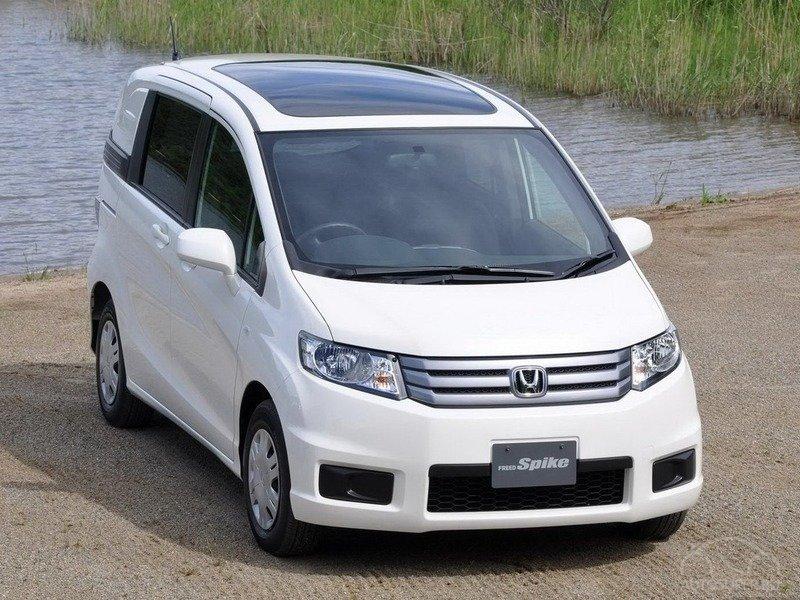 В Японии дебютировал новый компактный минивэн Хонда Фред
