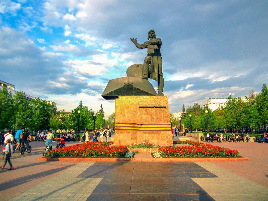 Купить памятник челябинск танкистам памятники 9 мая московская область