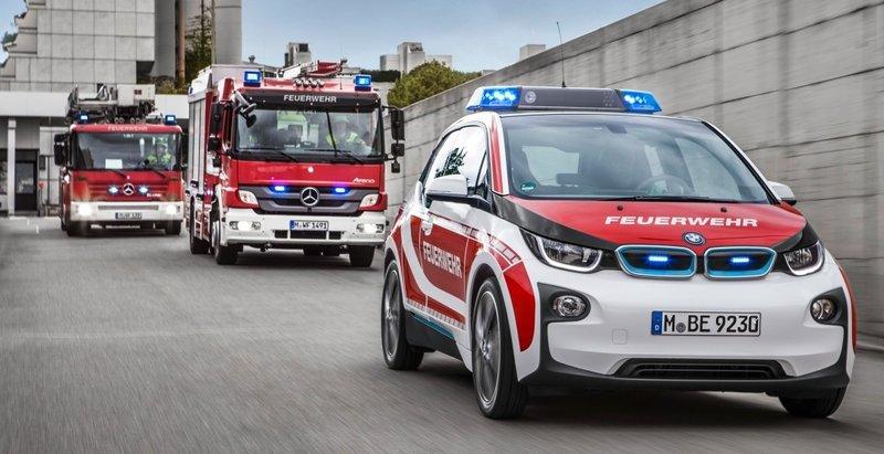 Баварская марка BMW представила «пожарный» электрокар i3 Fire Car - UINCAR