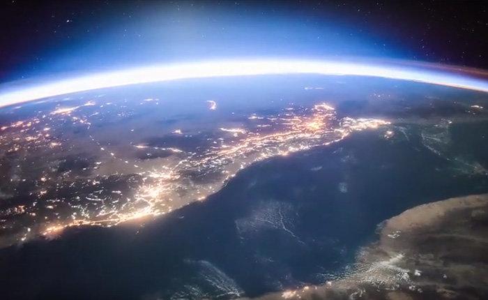 Рассвет над Землей. Вид из Космоса.