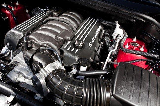 Двигатель V8 HEMI для новых SRT8
