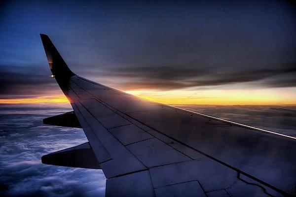 Как фотографировать из окна самолета – ФотоКто