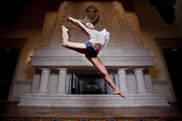 Как фотографировать танцующих людей | Делай Фото