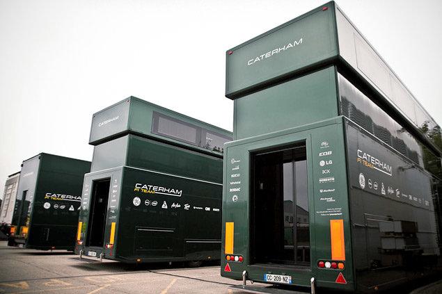 Как команды Формулы-1 перевозят тонны оборудования с трассы на трассу. Фото 1