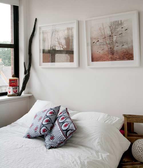 Как выбрать подходящую картину для интерьера спальни в зависимости от стиля и цветового решения комнаты