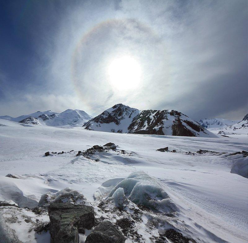 Красивые атмосферные явления: гало, глория, двояковыпуклые облака, мираж, огненная радуга, полярное сияние (28)
