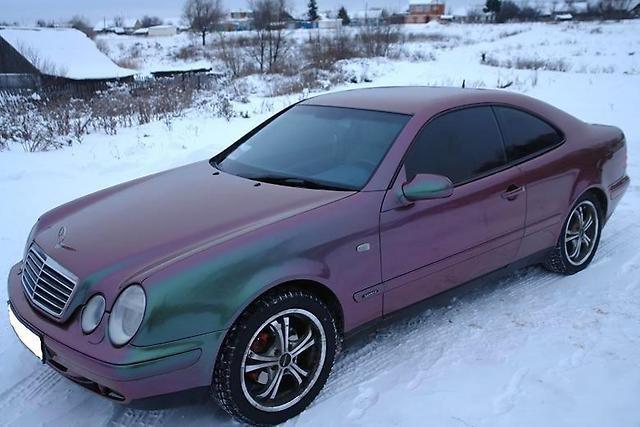 Mercedes C208