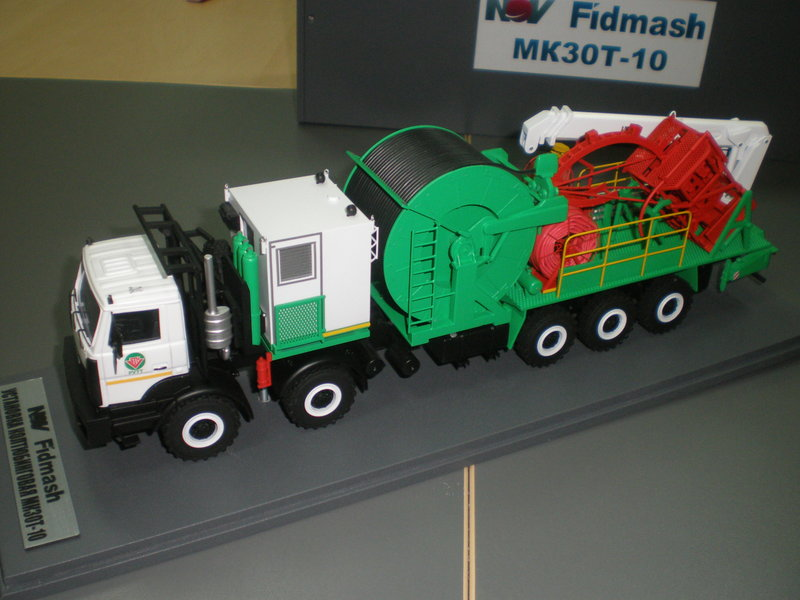 Модель колтюбинговой установки МК30Т-10. 1/43 от макетной мастерской  vivaScaleModels