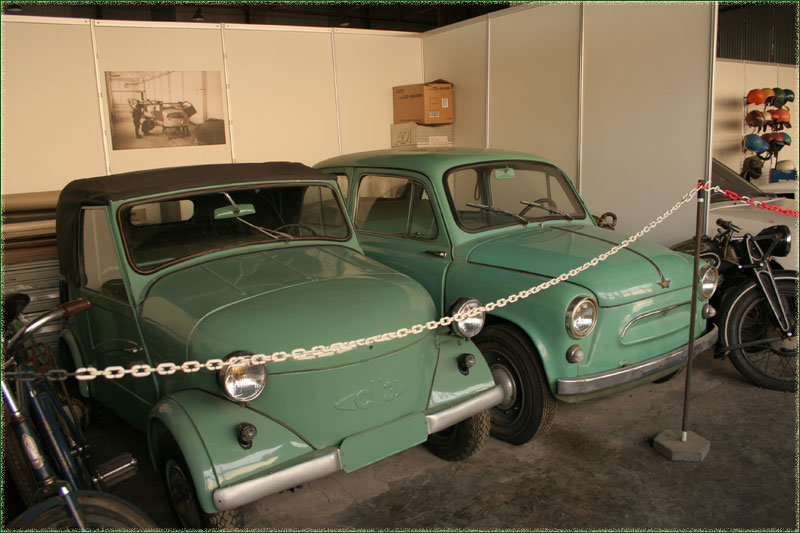 Музей старинных автомобилей в Кузьминках. Музей экипажей и автомобилей