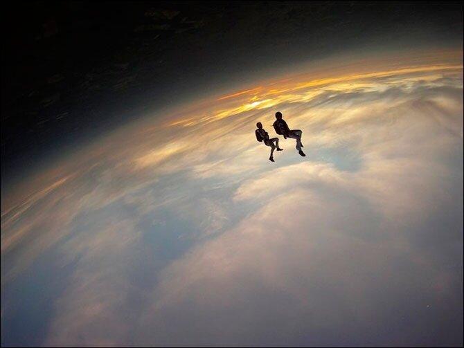 Необычный прыжок с парашютом
