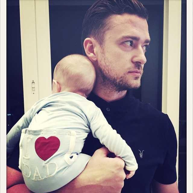 """""""Новый член отцовского Братства"""" Сайлас поздравил с Днём отца своего папу Джастина Тимберлейка"""
