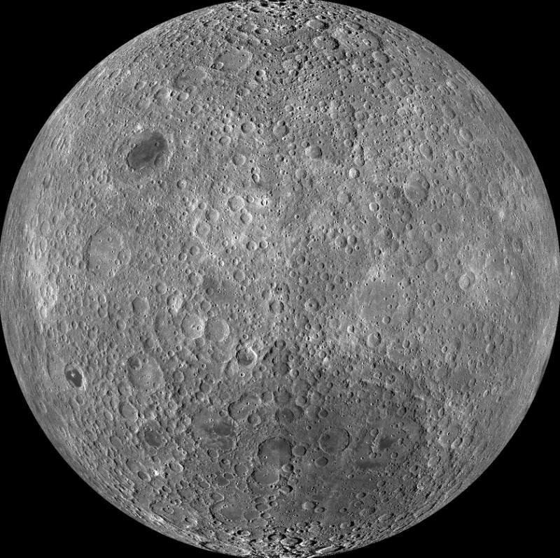 Обратная сторона луны. Для просмотра снимка в высоком разрешении Луны кликните по снимку. Фото NASA/GSFC/Arizona State University