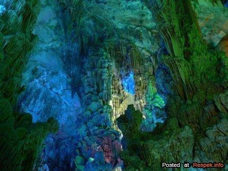 Пещера Тростниковой флейты (20 фото)