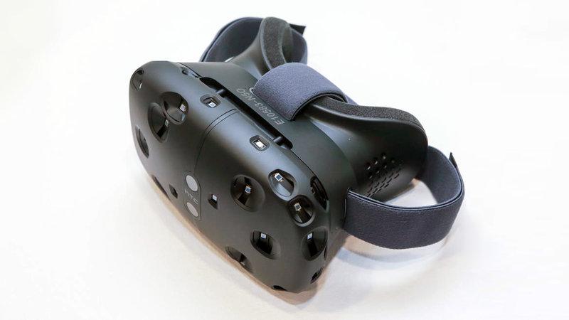 Шлем виртуальной реальности HTC Vive — отвал башки!