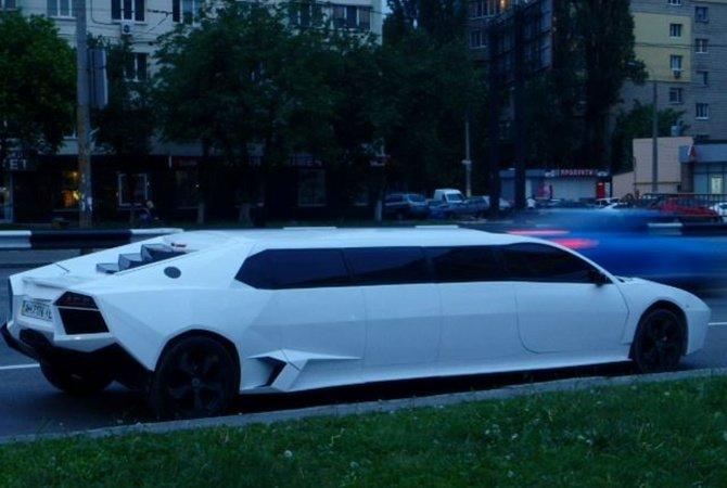 Соцсети: по Киеву ездит необычный лимузин, сделанный на заказ в Мариуполе - KP.UA