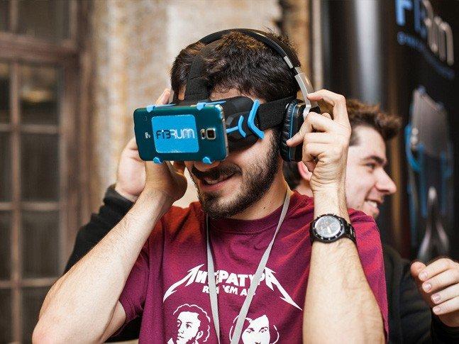 Спец > Виртуальная реальность по-русски. VR-шлем для мобильных игр
