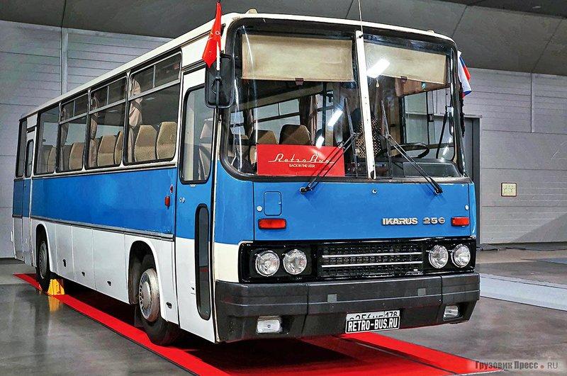 Восстановленный автобус Ikarus 256