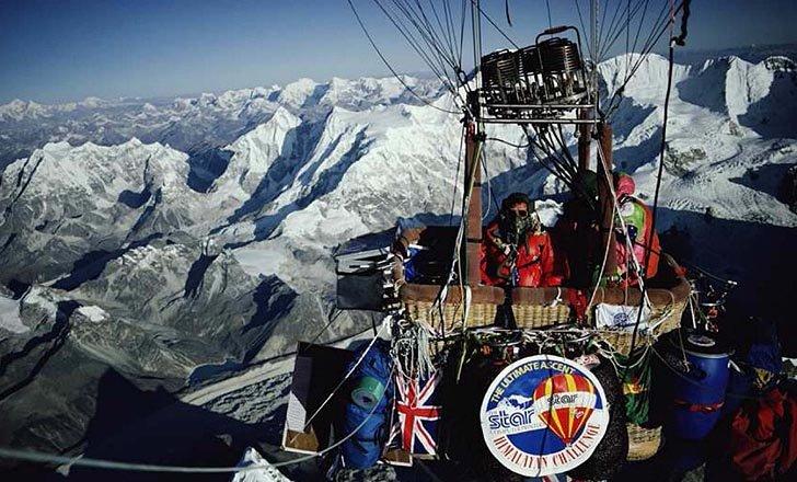 воздушный шар над Эверестом
