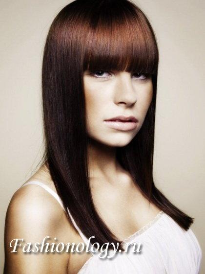 Модные стрижки с прямой челкой для длинных волос 2012 фото (12)