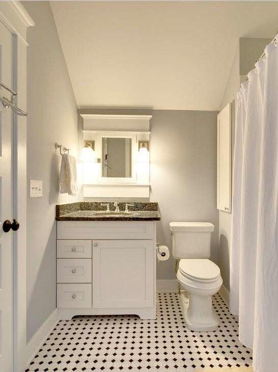 Светлые занавески в ванной комнате