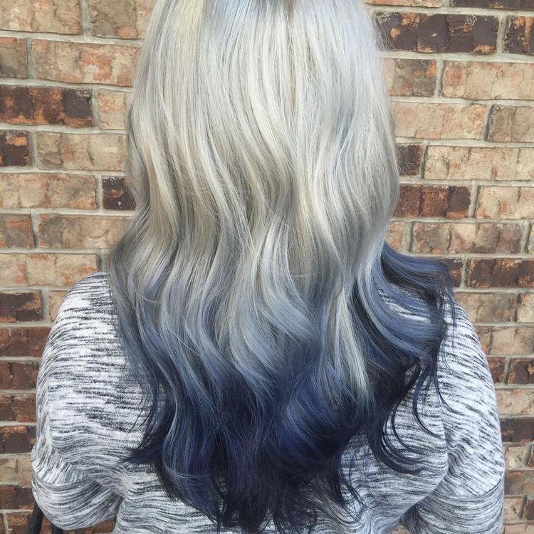 Волосы под цвет джинсов — новый необычный тренд в окрашивании волос (14 фото)
