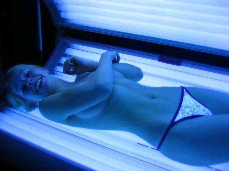 Нарезки супер частное фото девушек в солярии