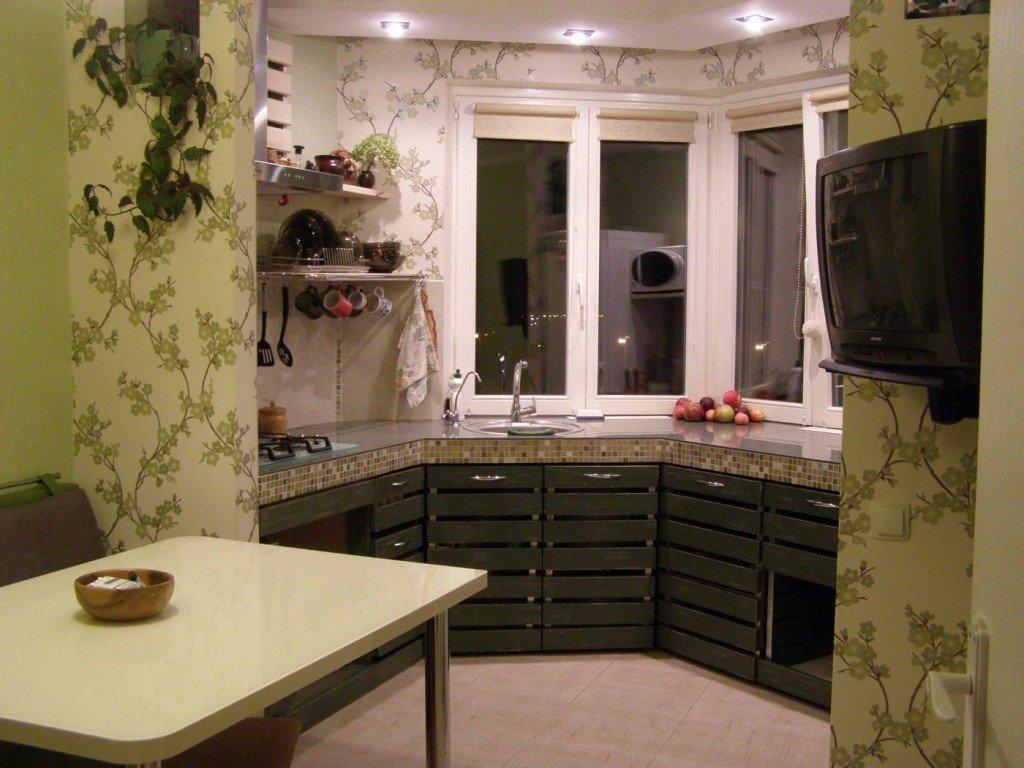 """Кухня на балконе для маленькой квартиры - миссия выполнима!""""."""