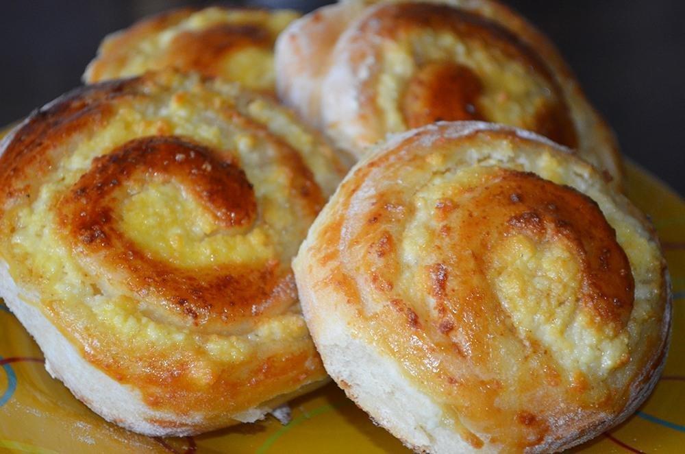 Главная рецепты десерты и выпечка булочки с творогом — 8 рецептов, как приготовить пышные и вкусные булочки.