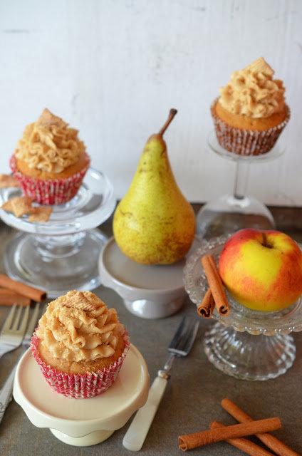 """Ninas kleiner Food-Blog: Fremdgebloggt: Apfel-Birnen-Zimt-Cupcakes + ein großes """"Happy Birthday"""" ans andere Ende der Welt :)"""