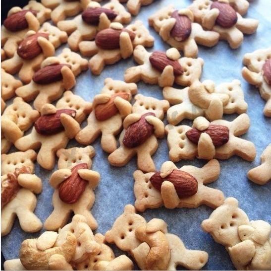 Песочное печенье Мишки с орешками