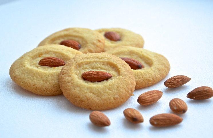 Песочное печенье с лимоном и орешками