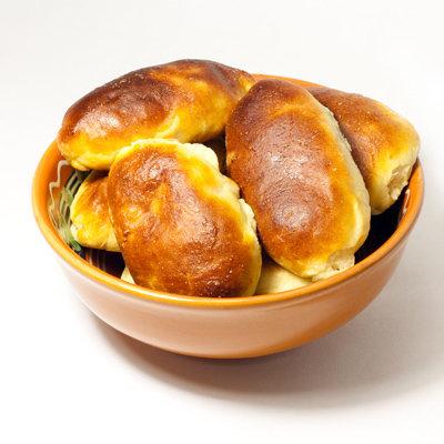 Пирожки с зелёным луком и яйцами
